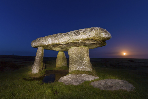 Lanyon Quoit, Cornwall, UK N111